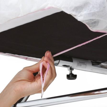 Непромокаеми бели еднократни чаршафи с розов ластик - 10 бр.